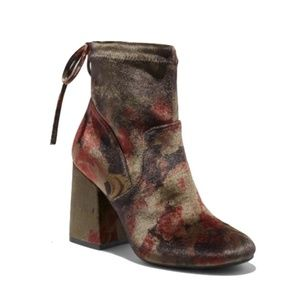 A New Day | Maria Floral Peacock Velvet Block Boot